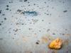 abstract met modder en steen